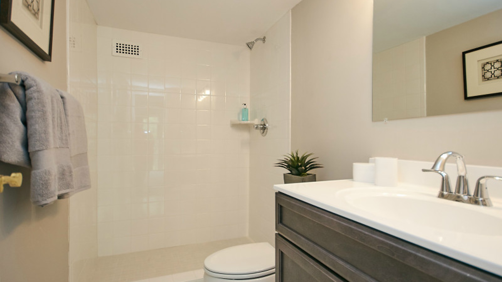 2 Bedrooms, Residential, For sale, Army Navy Drive #409, 2 Bathrooms, Listing ID 1066, Arlington , United States, 22202,